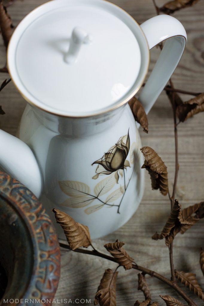 modernmonalisa_retro_rosy_teapot